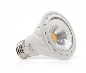 Tamanho enxuto. As lâmpadas do tipo Par oferecem luminosidade num corpo menor, caso da Super LED CoB (5 W), Par 20 da FLC.